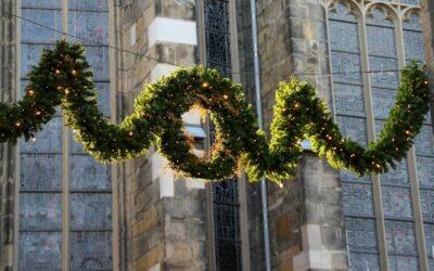 Weihnachtsgirlande mit Beleuchtung